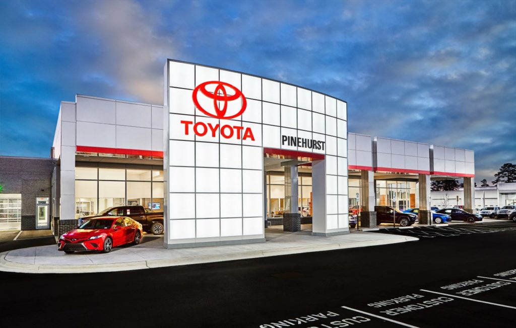 The completed new car dealership. A smooth project because the right General Contractor was selected.